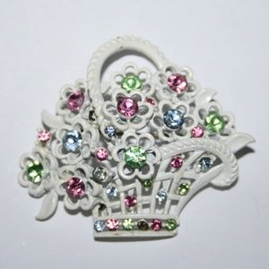 Vintage white flower brooch with rhinestones